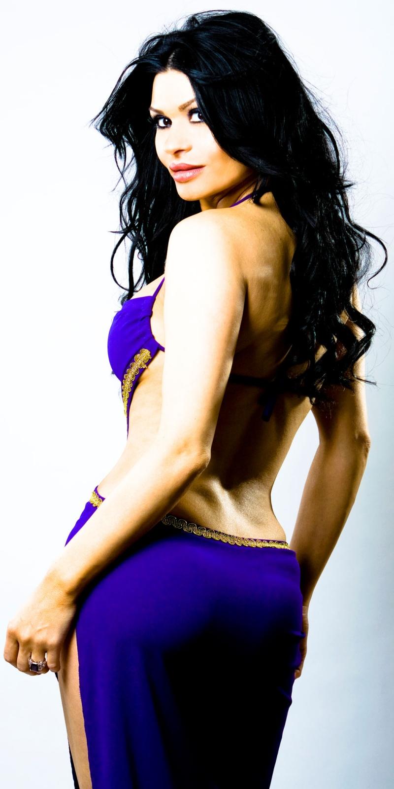 Oshawa-STUDIO Apr 26, 2009 Zdenka Darula IONA-purple dress