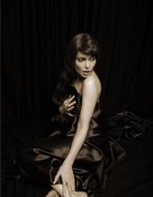 http://photos.modelmayhem.com/photos/090426/20/49f5242fd7c56_m.jpg
