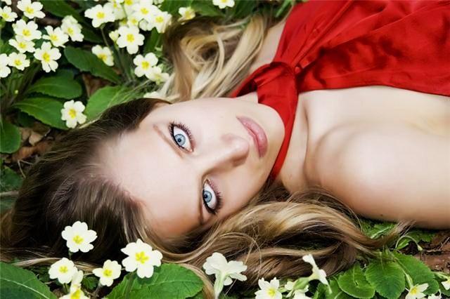 Female model photo shoot of Judi Gebhard by mnmmnn in Durham