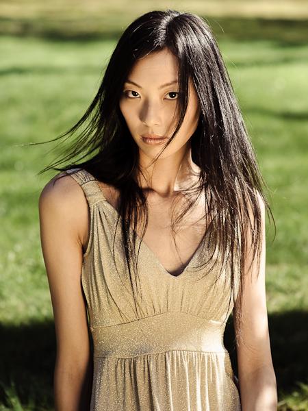 http://photos.modelmayhem.com/photos/090501/05/49fae7b316da0.jpg