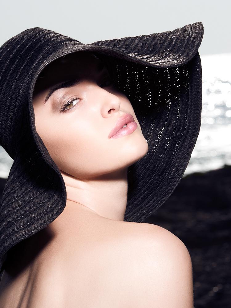 Female model photo shoot of PRETTY PUBLIC AFFAIR by K E S L E R, makeup by PRETTY PUBLIC AFFAIR