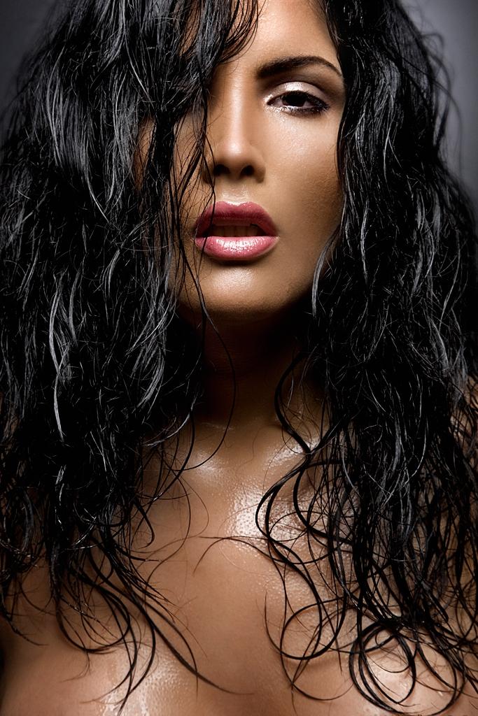 May 03, 2009 Hot Latina