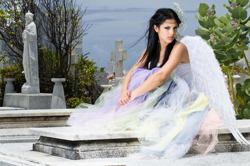 Isla Verde, Puerto Rico May 04, 2009 Undercoverangels Angel in the tomb