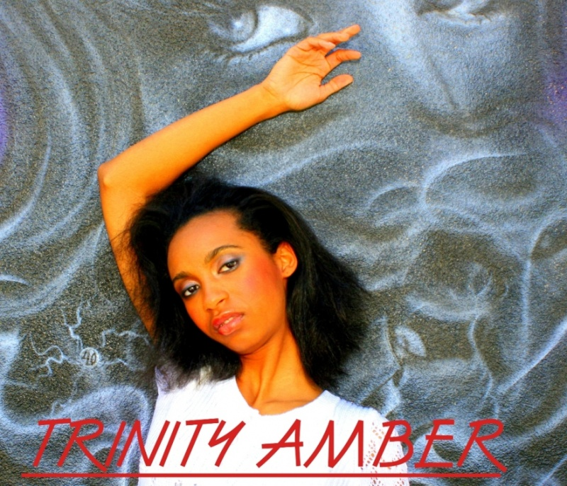 DM GREMLIN STUDIOS May 05, 2009 (c) Harmon Outlaw 2009 EYES WATCHING OVER TRINITY AMBER ALWAYS