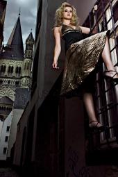 http://photos.modelmayhem.com/photos/090507/05/4a02d32989042_m.jpg
