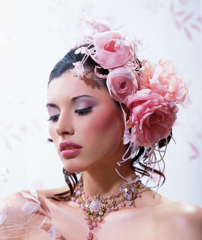 Viya Magazine May 14, 2009 Romantic Pinks