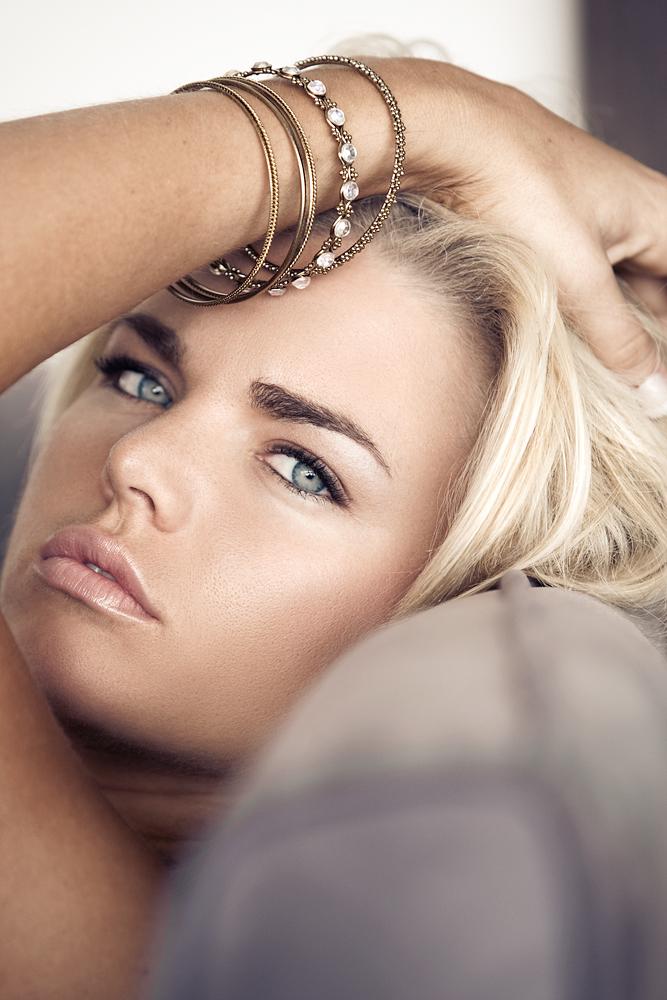 Female model photo shoot of PRETTY PUBLIC AFFAIR and Kiersten Hall by K E S L E R, makeup by PRETTY PUBLIC AFFAIR