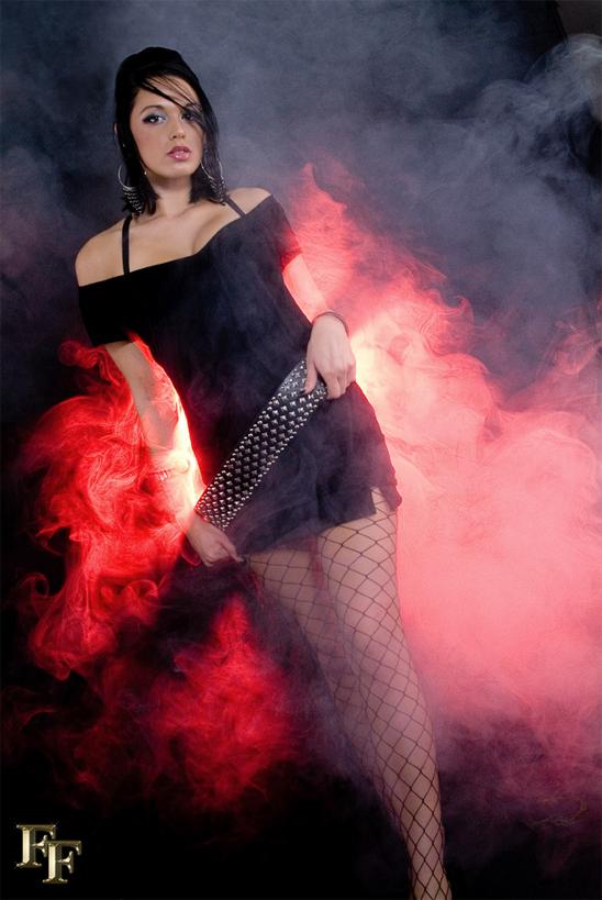 https://photos.modelmayhem.com/photos/090517/10/4a104f405862f.jpg