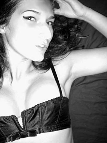 Female model photo shoot of GabriellaLove89