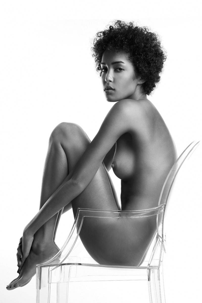 EMH Studio May 17, 2009 Eitan M Klein Model: Laura Scott