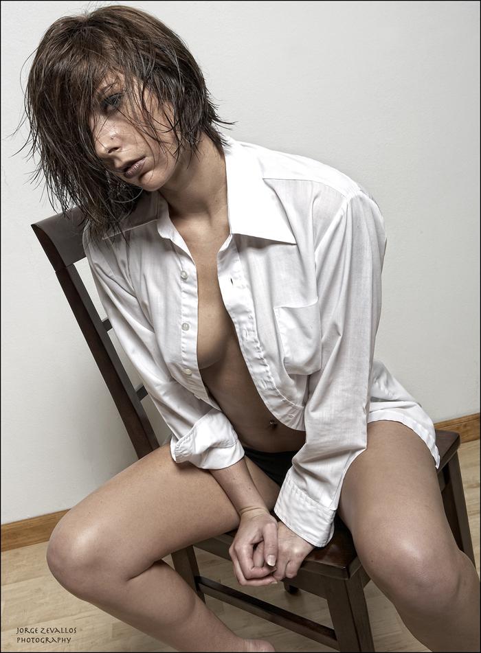 May 18, 2009 Jorge Zevallos & Sweet Janine Looks in his shirt