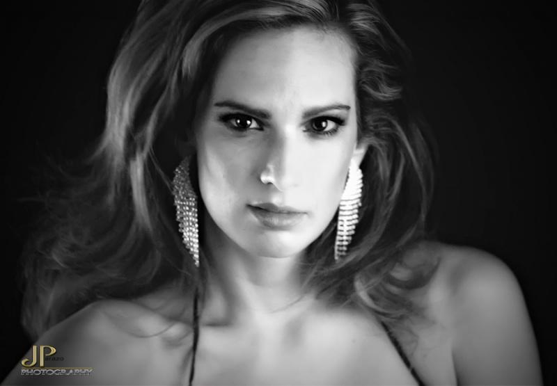 Female model photo shoot of Christina Pike