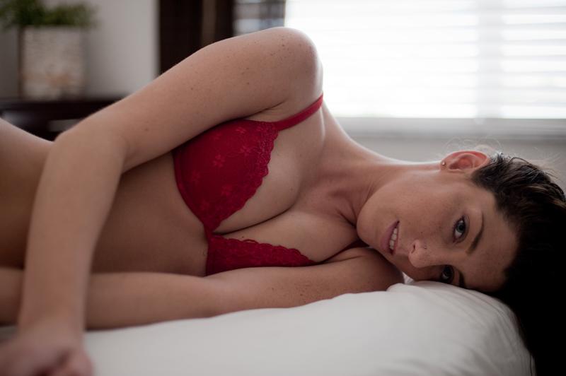 Female model photo shoot of Melinda Williams by Blue-light