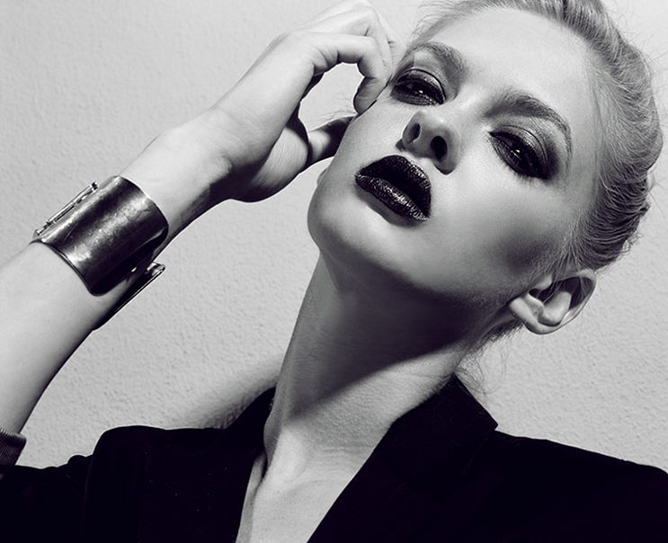 Female model photo shoot of Iman Haji
