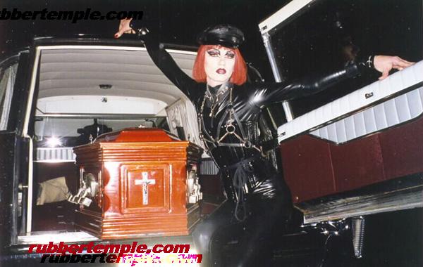 rideing in Sydney w. hearse ElvirA ^*^  May 27, 2009 Sabrina Blaze  ElvirA ^*^