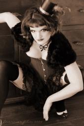 http://photos.modelmayhem.com/photos/090527/20/4a1e08b24b301_m.jpg