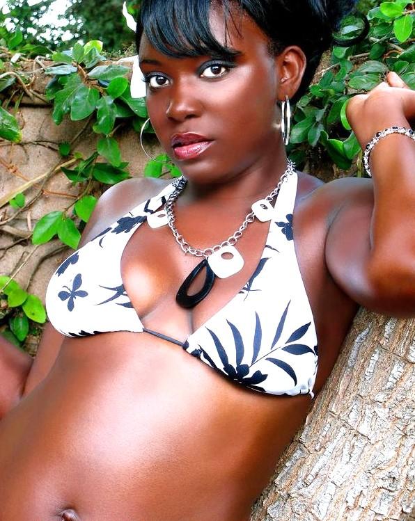 Female model photo shoot of Rika Travis