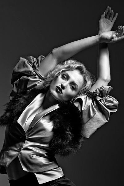 Jun 09, 2009 www.nuovomag.com This Isnt Madonnas Vogue