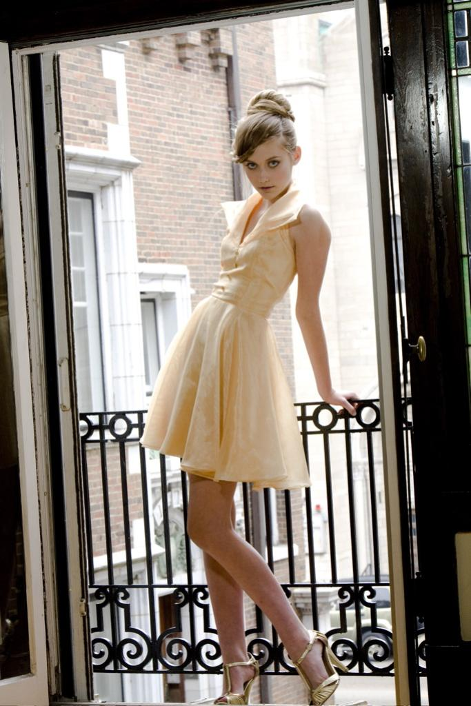Bryn Mawr Chicago Jun 22, 2009 Peggy Clements Photography Clair B. Elite Model Management in mint condition 50s butter dress