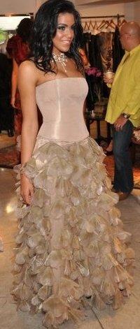 Jun 23, 2009 Viglis Viquillon modeling yoly munoz dress