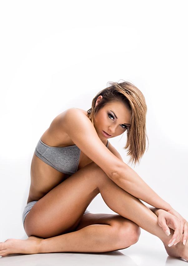 Female model photo shoot of Rachael Michelle in Texas 3/09