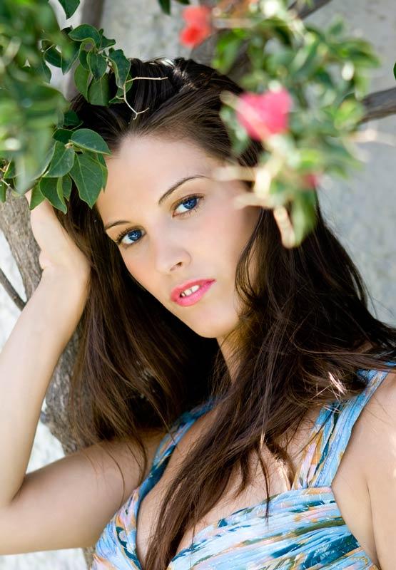 https://photos.modelmayhem.com/photos/090701/18/4a4c06ed9a1c6.jpg