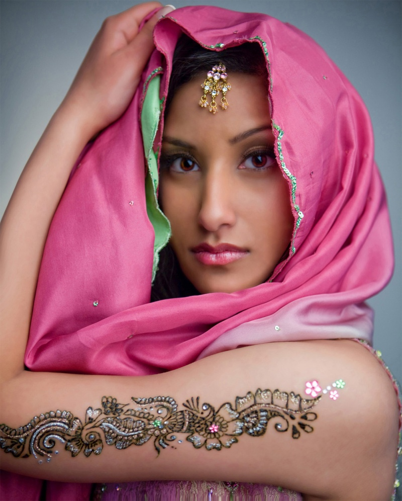 Jul 01, 2009 Henna Shoot - MUA, Danielle Benton - Henna, 604mehndi.com - Photo, Christopher Papan - Hair, Brendan Hopwood