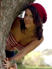 http://photos.modelmayhem.com/photos/090702/13/4a4d1877ba245_m.jpg