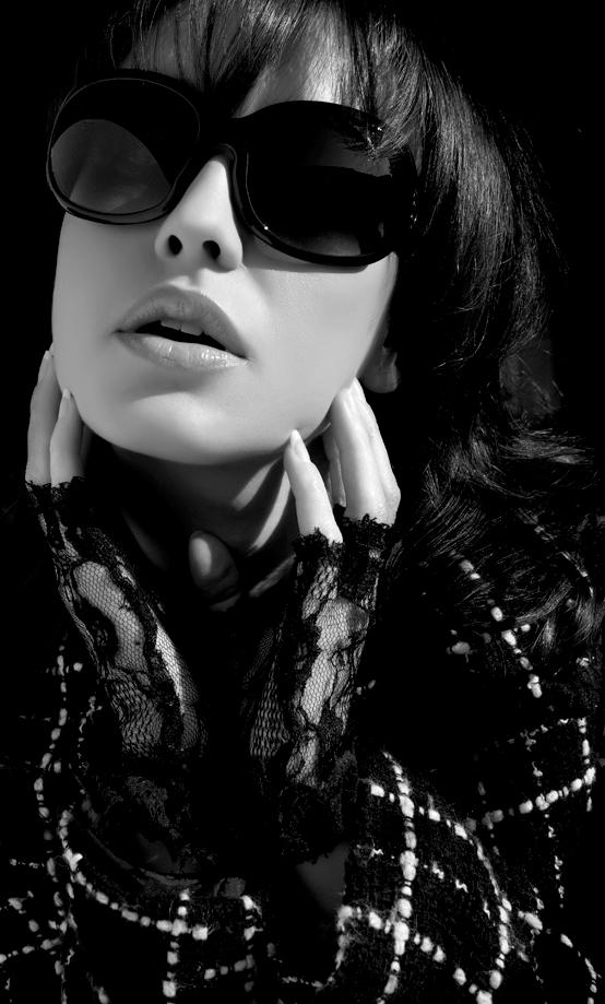 Female model photo shoot of Silvia Syl