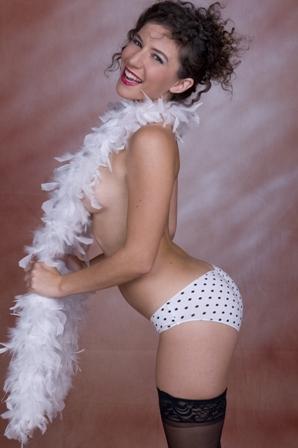Las Vegas Jul 04, 2009 AllWarren.com Sativa Verte, the beautiful Pin-Up Girl