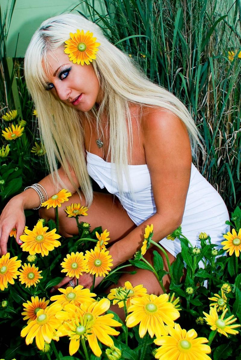 Female model photo shoot of Callie Saint Callie by Wesconi Photography