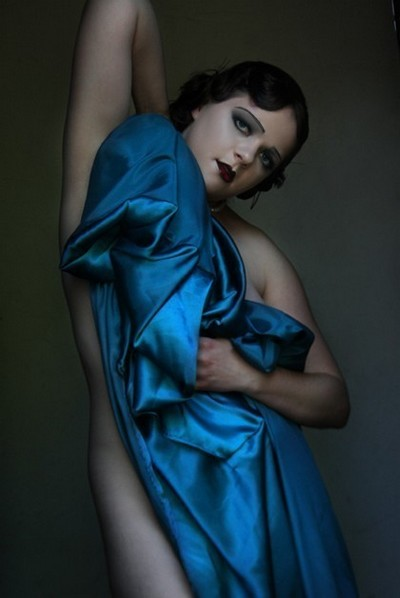 Female model photo shoot of Vixen Venom Makeup and Kam Arose by LeDeux Art