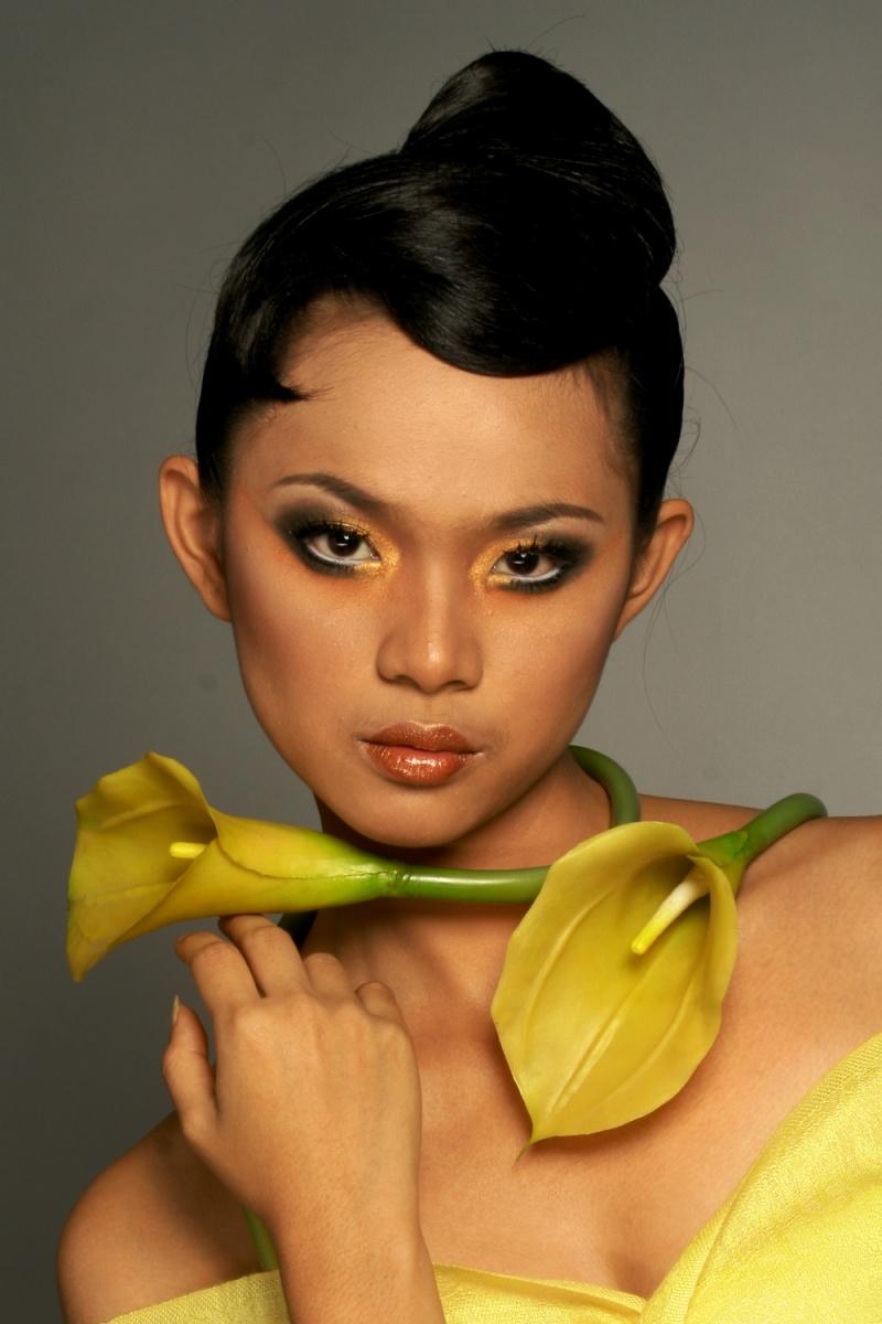 Jakarta Jul 10, 2009 Elisa Prajogo Model : Bekha Widya