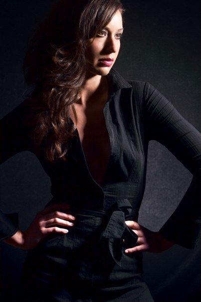 Female model photo shoot of Jessica I