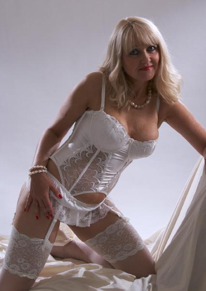 Jul 27, 2009 Leo (2) Wedding Day lingerie