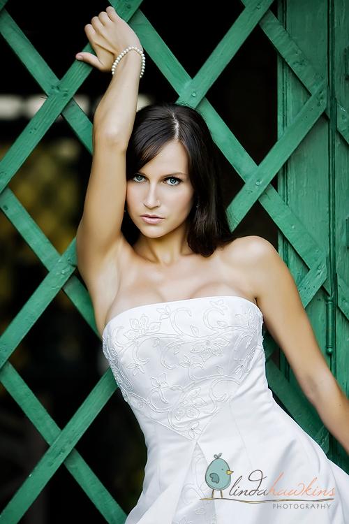 Female model photo shoot of ShannonLeigh by LINDA HAWKINS