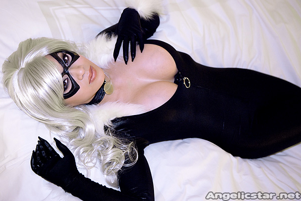 San Jose, CA Aug 05, 2009 Photo by Paul Tien, costume made and modeled by Yaya Han  Black Cat is waiting on Spiderman...