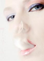 http://photos.modelmayhem.com/photos/090807/21/4a7d03180d98f_m.jpg
