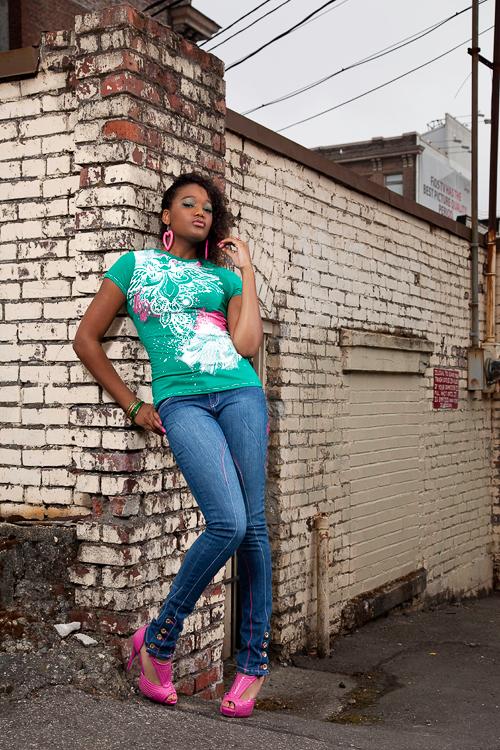 Everett, Wa Aug 08, 2009 Wardrobe: Dereon outfit Mimis Urban Wear
