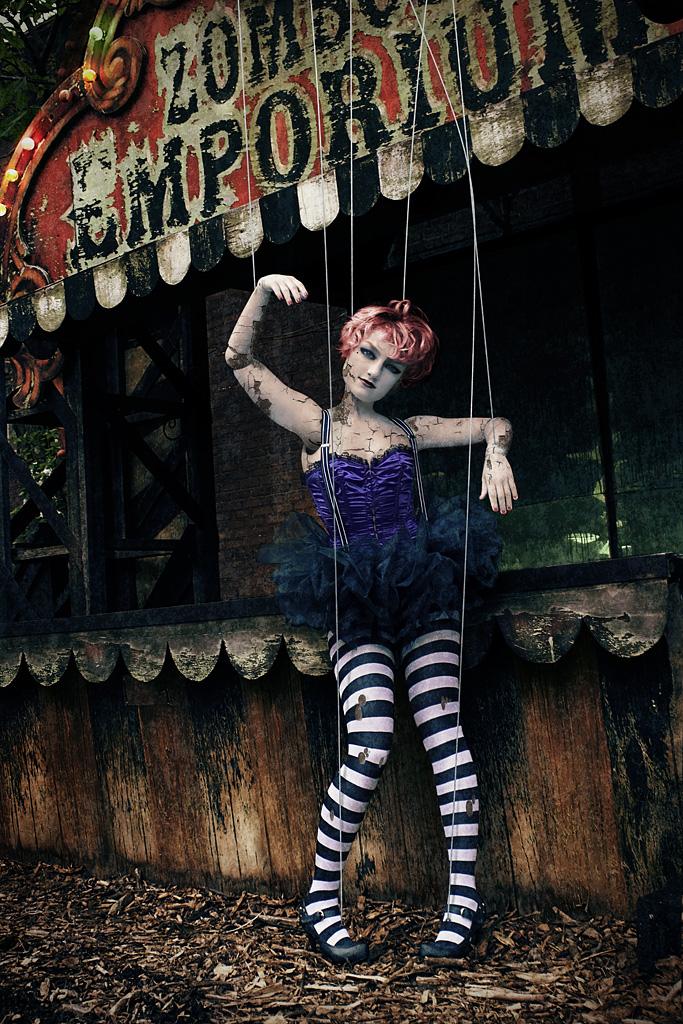 Aug 09, 2009 Zombie Emporium Theater!