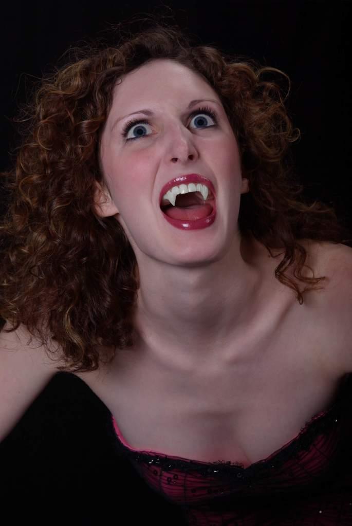 Aug 09, 2009 Verdigris Photography 2009 Courtney warning.
