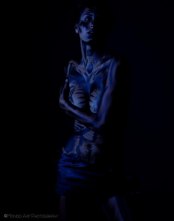 Aug 12, 2009 Mondo Art Photography