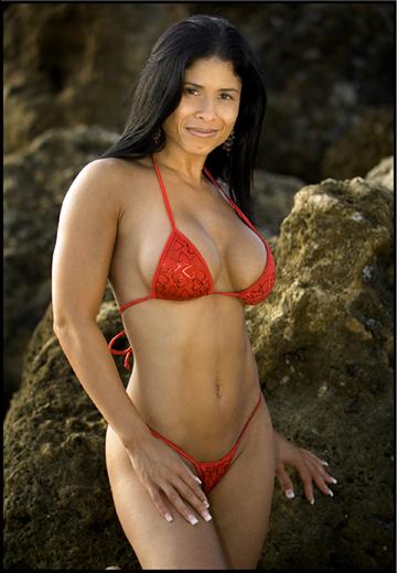 beach fl Aug 15, 2009 wiiialm r bonk red swim siut