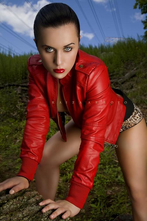 Female model photo shoot of Raiza  and Malena m