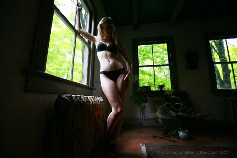 http://photos.modelmayhem.com/photos/090818/13/4a8b0a895c60a.jpg