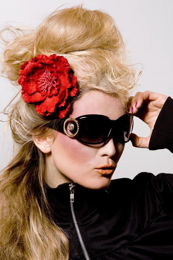 Female model photo shoot of Anna82