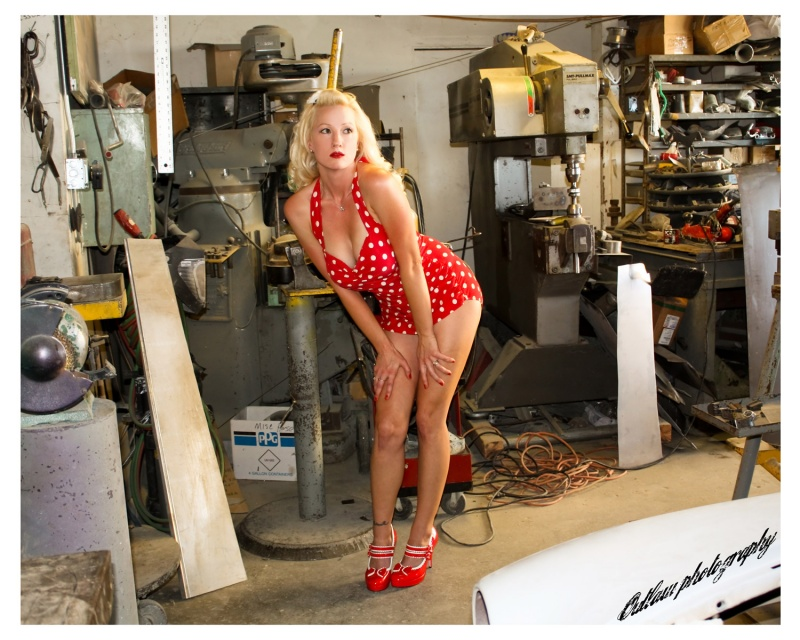 Female model photo shoot of Daisie Fairlane in Mojave CA