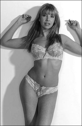 London Aug 22, 2009 Elle McPherson underwear shoot