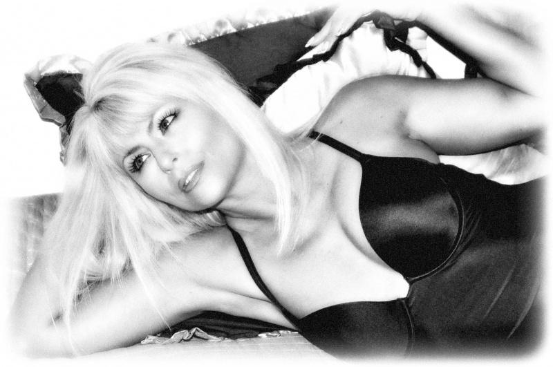 Female model photo shoot of CJ Belle in August 2009, Pittsburgh