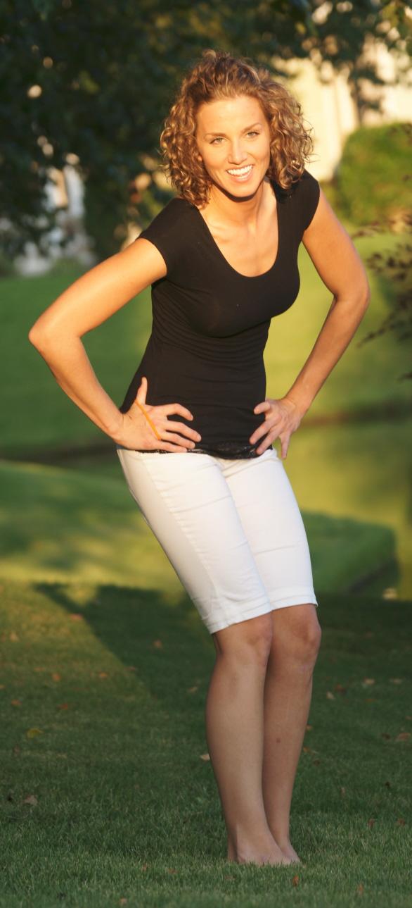 Female model photo shoot of Deedra Haslip